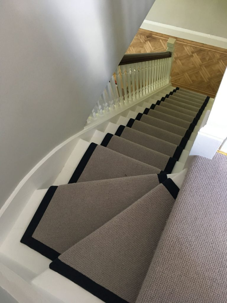 Crucial Trading stairs runner